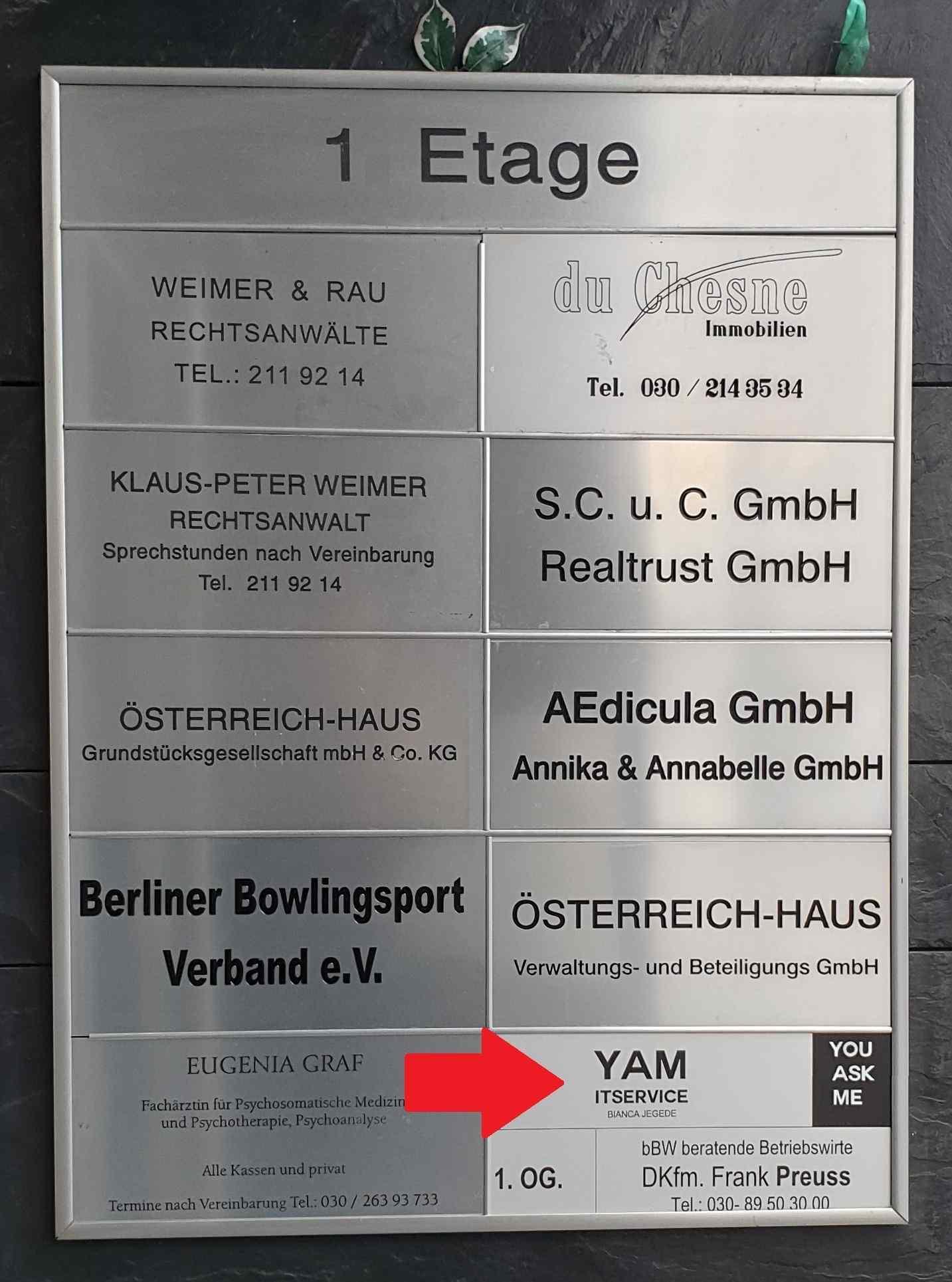 Kfz Zulassungsdienst Berlin Schöneberg. Zulassung24.berlin - Kfz Zulassungsdienst Berlin / Kfz Zulassungsservice Berlin. Kfz Anmeldung, Kfz Ummeldung, Kfz Abmeldung, Kurzzeitkennzeichen, Ausfuhrkennzeichen, Eintragungen, TÜV-Fahrten, Hol- und Bringservice und vieles mehr. Zulassungsstelle Berlin. Zulassungsbehörde Berlin.
